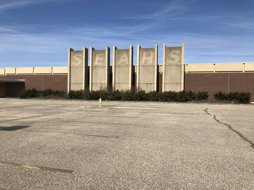 The former Salem Mall Sears building.