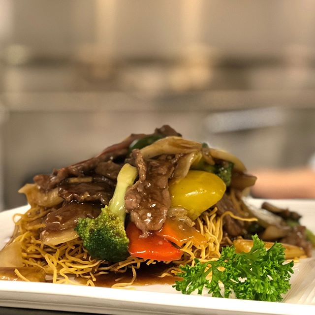 Once you've tasted our made-to-order noodles, you'll never settle for anything less.⠀⠀⠀⠀⠀⠀⠀⠀⠀ ⠀⠀⠀⠀⠀⠀⠀⠀⠀ #KwansOKC #cantonese #chinese #frenchinspired #realcantonese #friedrice #lomein #noodles #okc #oklahomacity #okceats #chinesefood #cantonesefood