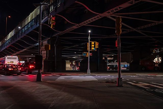 Night lights... #brooklyn #newyorkcity #exploreyourcity #sonyalpha #urbanandstreet #urbanphotography #nycprimeshot #nycphotographer #icapture_nyc #moodygrams #exploretocreate #createtoexplore #nycityworld