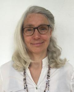 Heilpraktikerin und Shiatsutherapeutin, Schwerpunkt auf pflanzenkindlichem Nauturheilwesen.  Seit 6 Jahren beschäftige ich mich mit der HerzSelbst Intelligenz,3-jährige Ausbildung für transpersonale Psychologie und Psychotherapie bei Ulrike Döring-Epe nach der Methode von Margret Rueffler.Weiterbildungsseminare mit Dr. Margret Rueffler.  Ich biete Gespräche und Seminare an, basierend auf der Herzselbstintelligenz,Mein Anliegen ist es Menschen potentialorientiert, fried-und liebevoll auf ihrem Weg und in ihrer aktuellen Entwicklung zu begleiten.  Marion Susanne Kahl  http://www.shiatsu-naturheilwesen.de   info@shiatsu-naturheilwesen.de