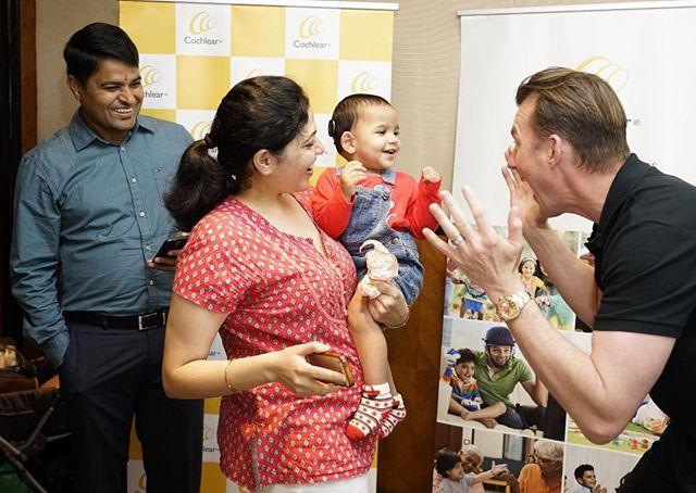 Playing peekaboo with a gorgeous cochlear recipient! An amazing life ahead of her !  The smile says it all 💛 @cochlearindia #soundsofcricket #hearingmatters