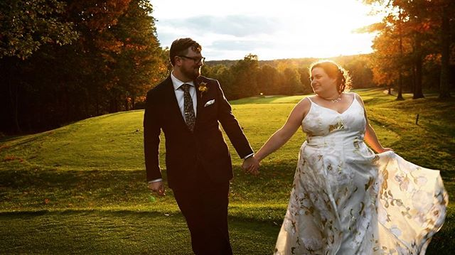 The way they look at each other 🌞🌞 . @faeryfyres . 🍂 🍁 🍂 🍁 🍂 🍁 🍂 🍁 🍂 #fallwedding #weddingvideographer #weddingvideography #destinationweddingvideographer #destinationweddingvideo #wokeweddingpros #feministwedding #weekend #weekendvibes #destinationwedding #pennsylvania #pennsylvaniawedding #fallgoddess #sunset #sunsetphotoshoot #woodlochweddings #woodlochwedding #weddinginspo #weddinginspiration #naturewedding #outdoorwedding #outdoorweddingvenue #fallweddinginspiration #nycweddingvideographer #brooklynweddingvideographer #femalefilmmaker