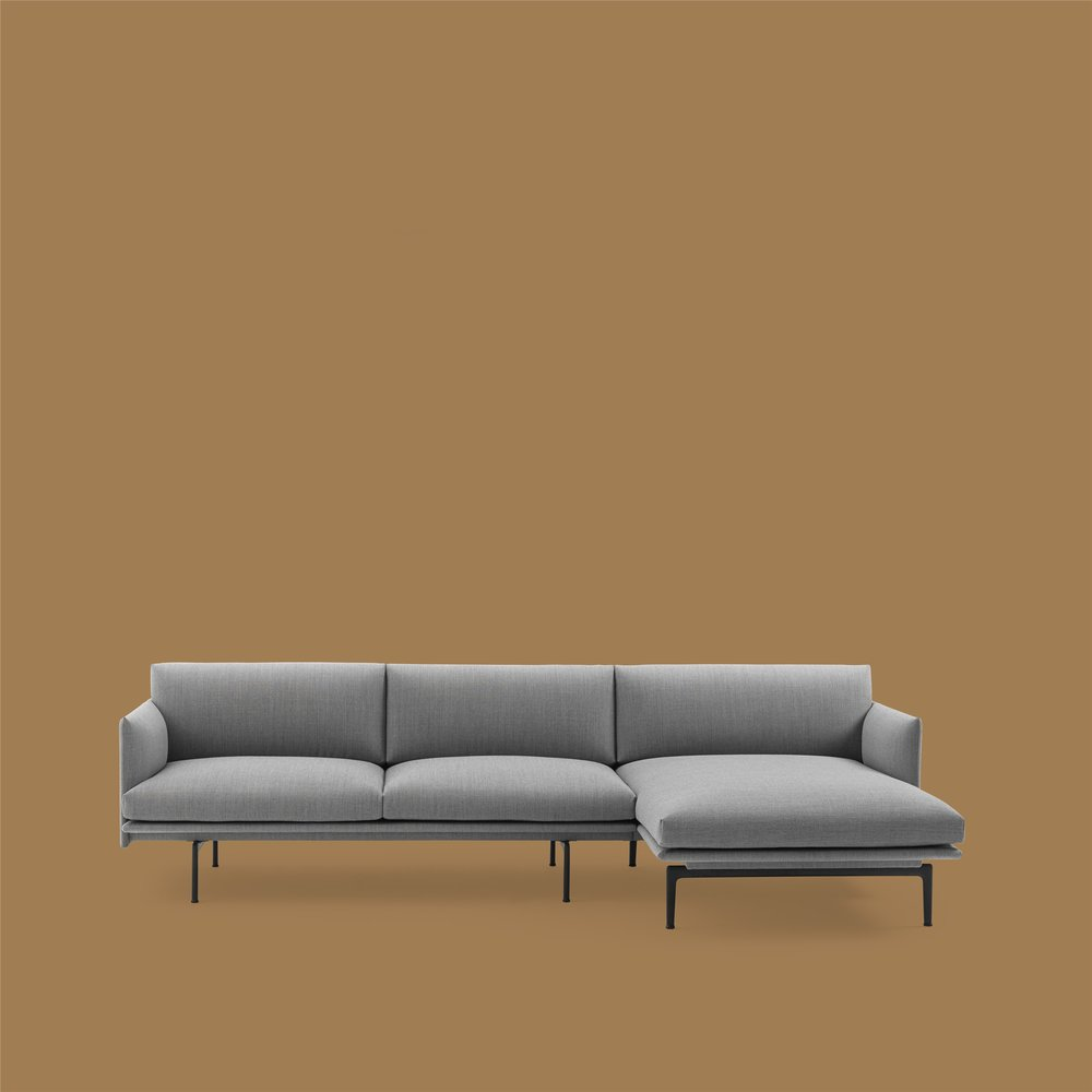 - Outline Sofa Chaise Lounge offers the visual characteristics and spacious comfort that has become synonymous with the original Outline series, joined by an extensive amount of comfort thanks to the addition of a chaise lounge element.