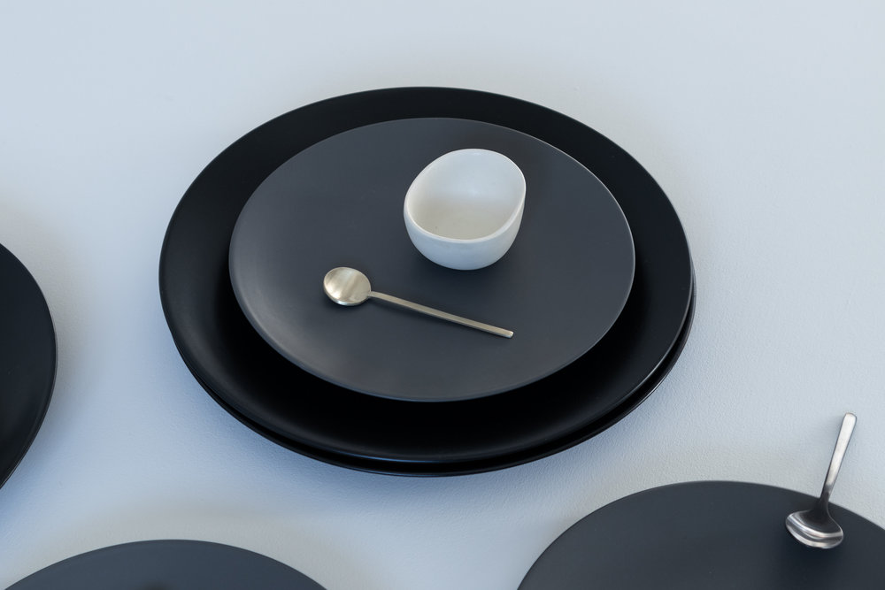 black dinnerware and cutlery, flatlay  8.jpg