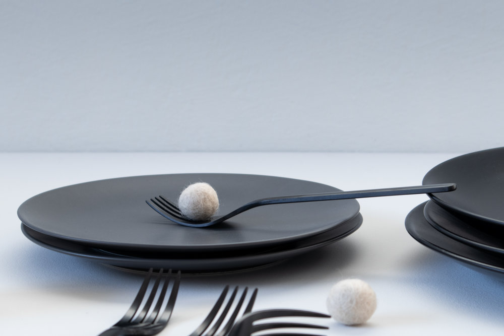 black dinnerware and cutlery, flatlay 33.jpg