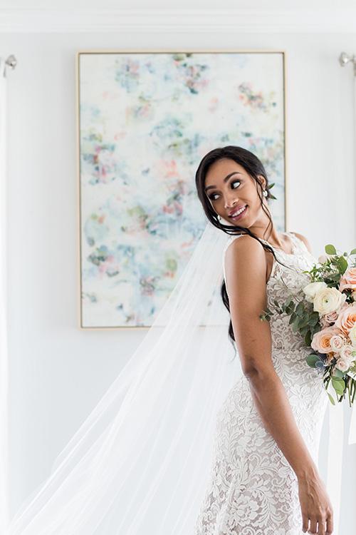 Bride and veil 6.jpg