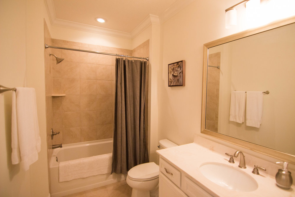 23 top bath.jpg