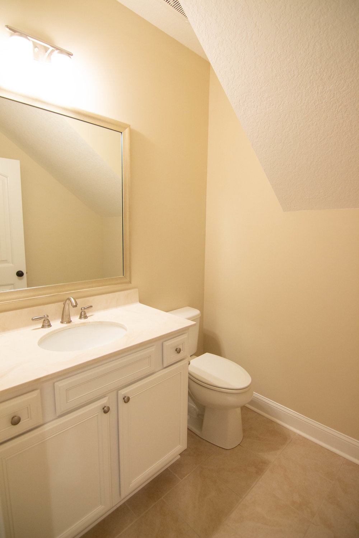 03 Bathroom.jpg