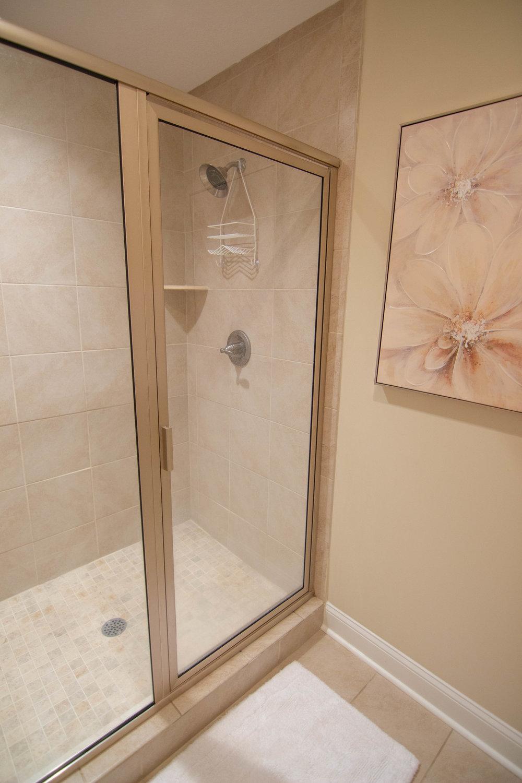 15.7 Master Bath.jpg