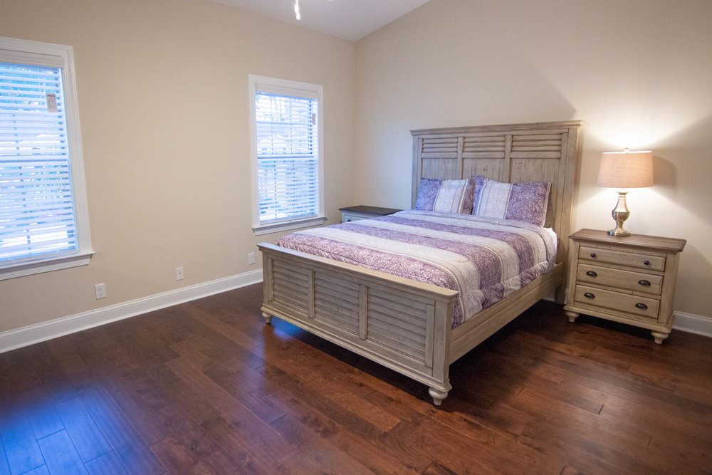 21 Bedroom 1.jpg