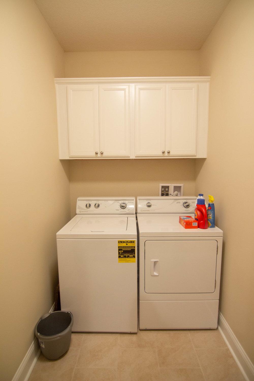 27 Washroom.jpg