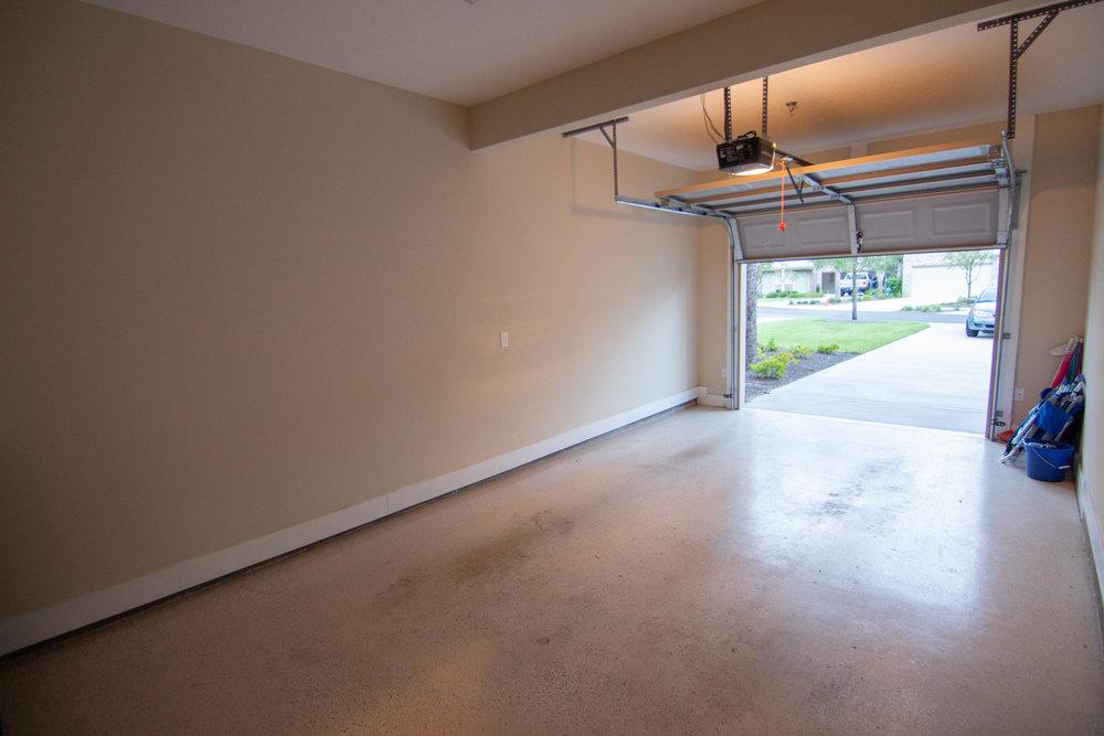 28 Garage.jpg