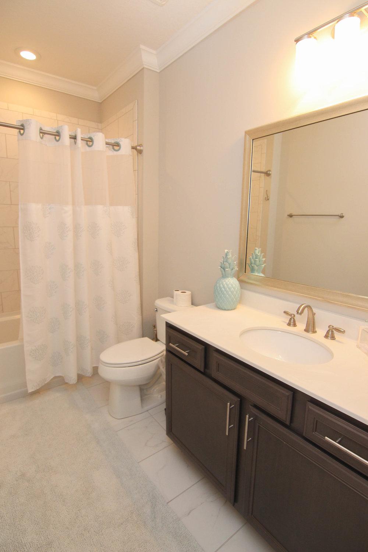 31 Bathroom 2.jpg