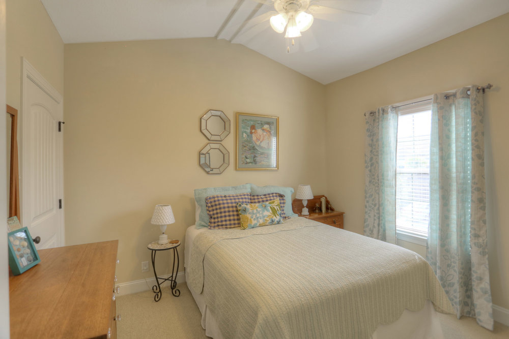 18 Bedroom 3.jpg