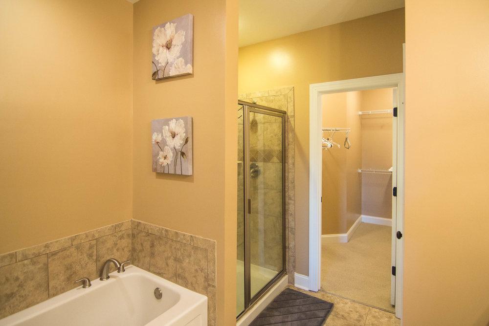 14 Master Bath.jpg