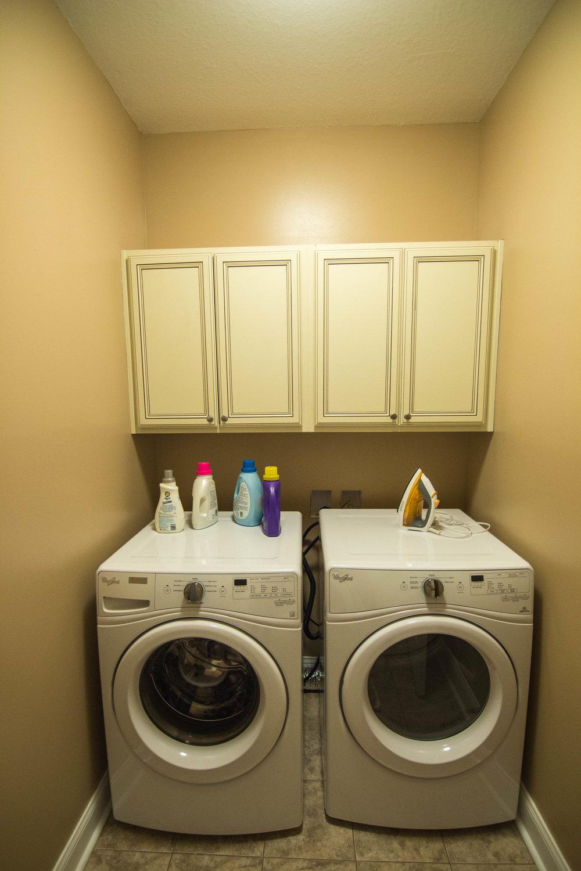 20 Washroom.jpg