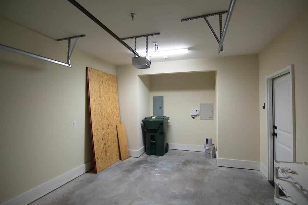 21 Garage.jpg