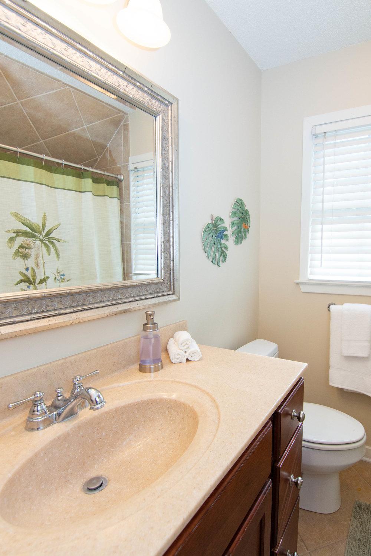 11 Bathroom.jpg