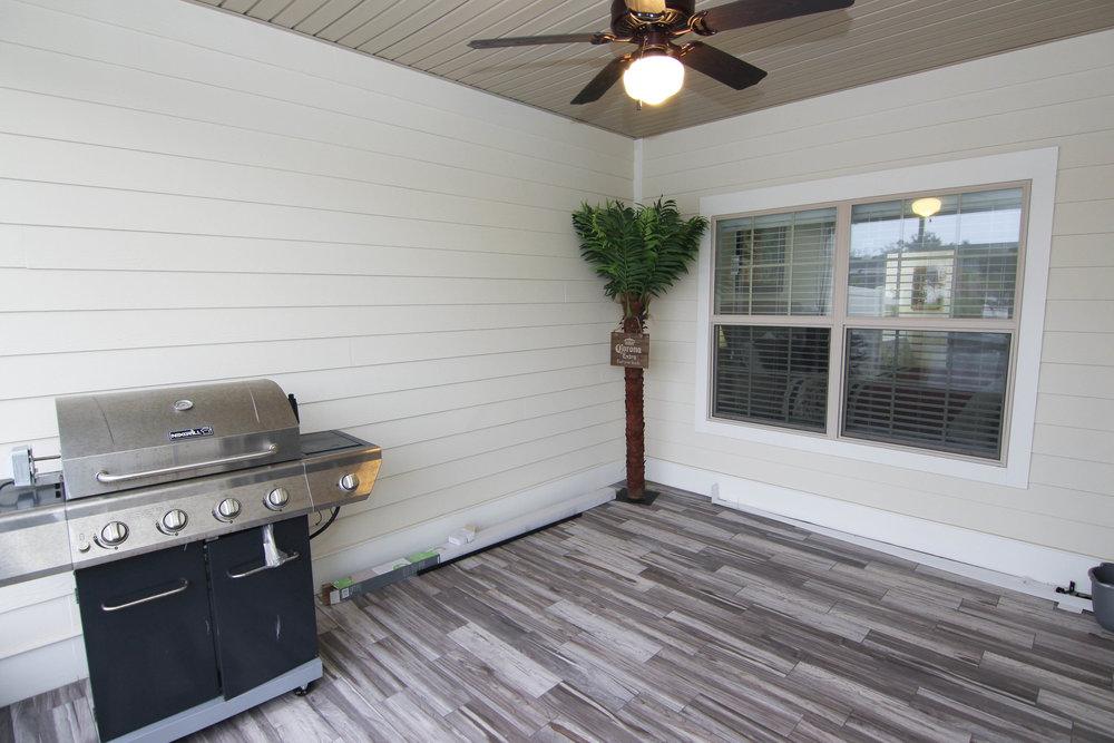 20 Porch.jpg
