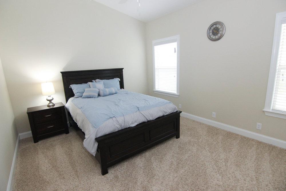 25 Bedroom 1.jpg