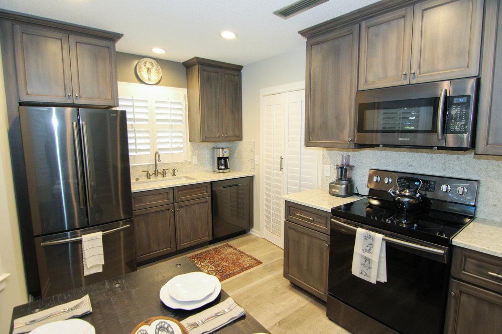 04 Kitchen.jpg