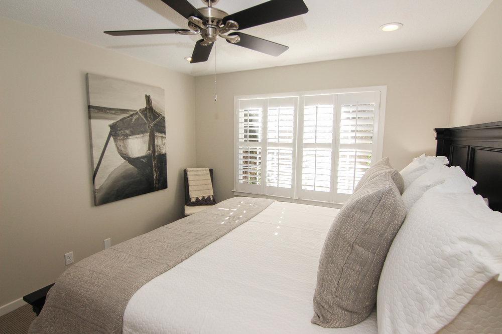 20 Bedroom 1.jpg