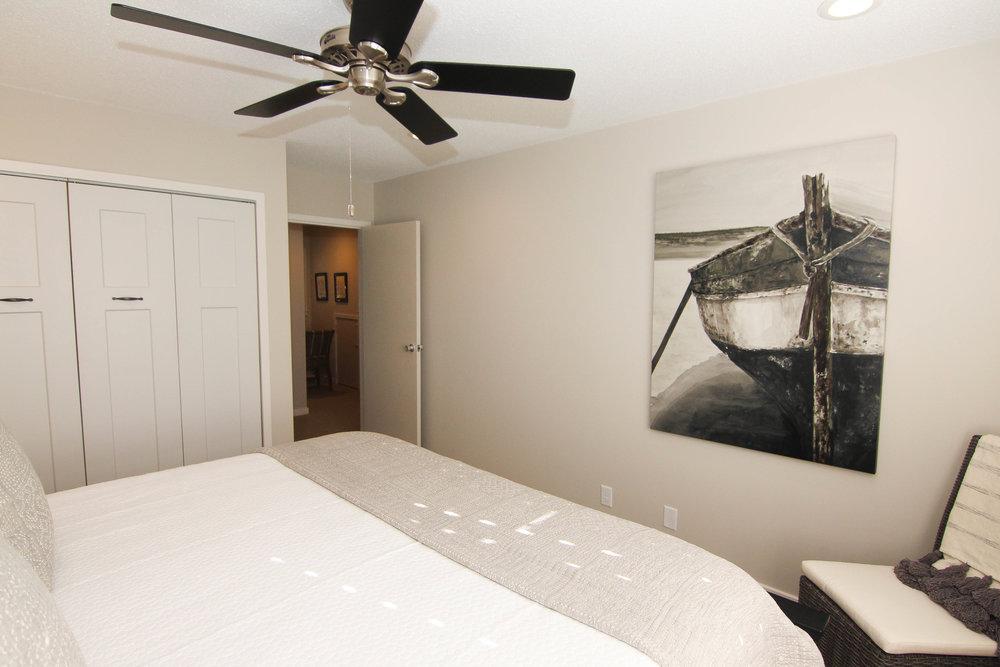19 Bedroom 1.jpg