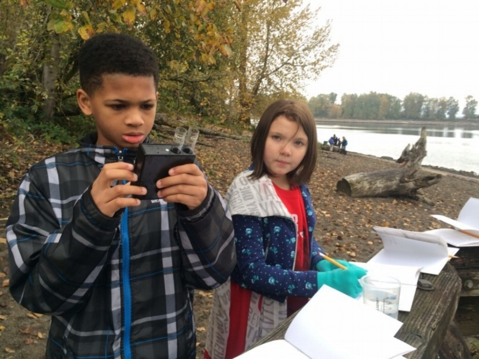 Boise-Eliot/Humbolt students testing water samples at Kelley Point Park in Portland