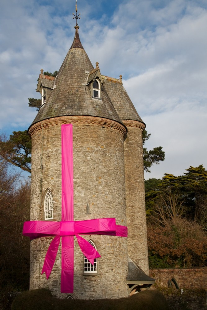 Trelissick Water Tower, Wrapped in a bow