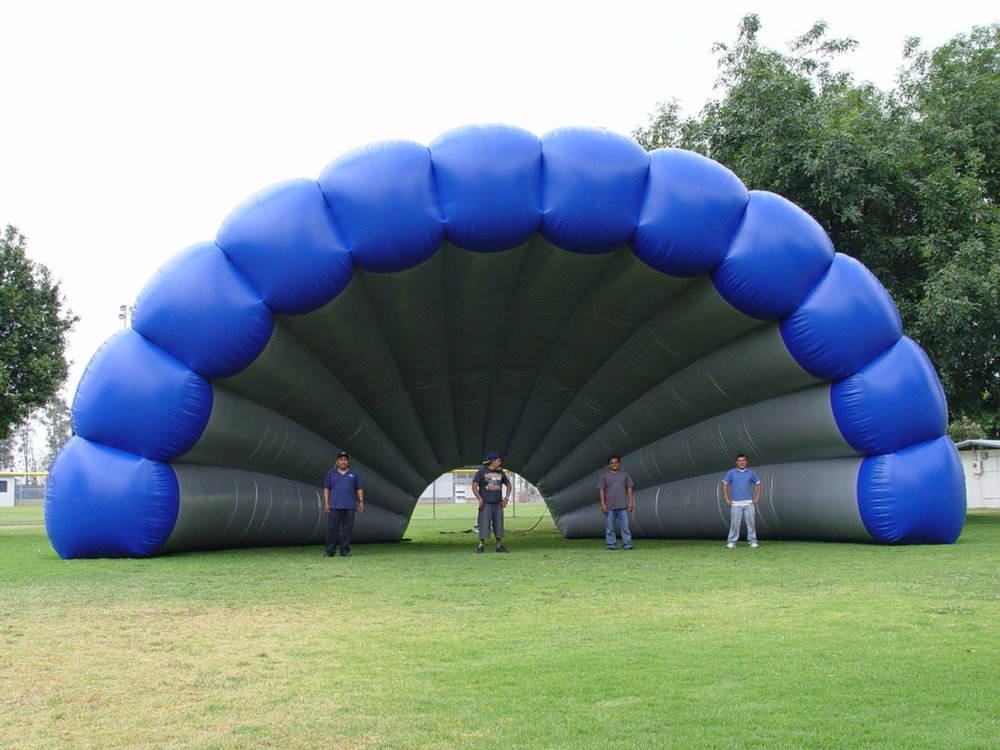 large-inflatable-tunnel