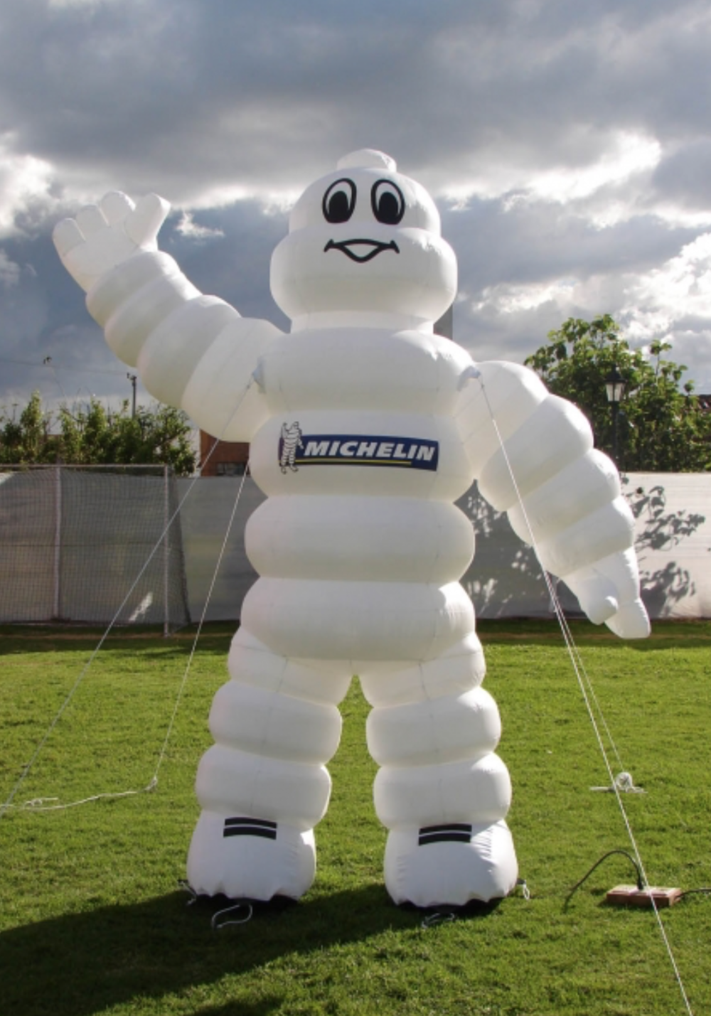 custom-inflatable-character