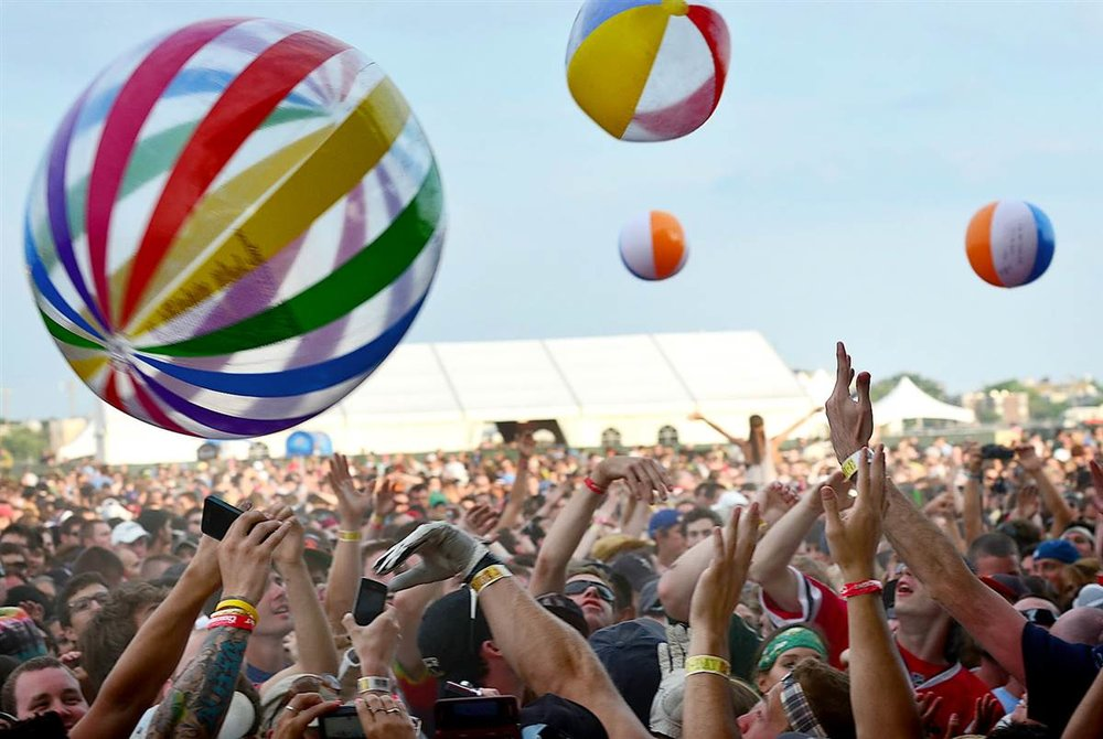 inflatable-crowd-balls