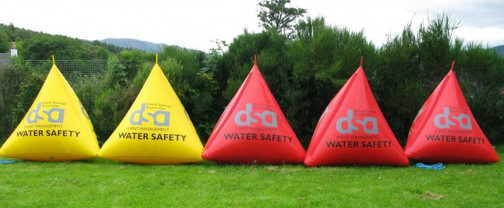 inflatable-water-pyramid-buoys