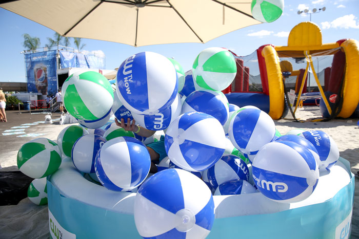 custom-inflatable-beachballs