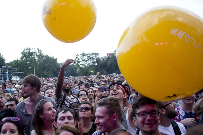 inflatable-crowd-sphere