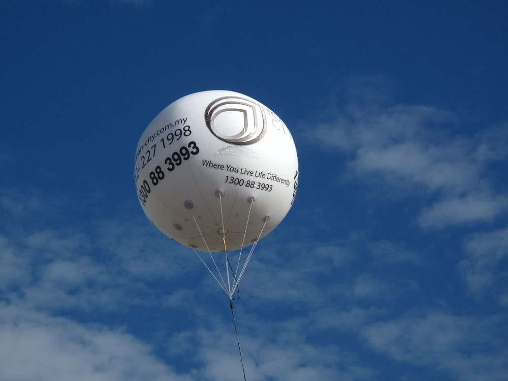 giant-advertising-balloon