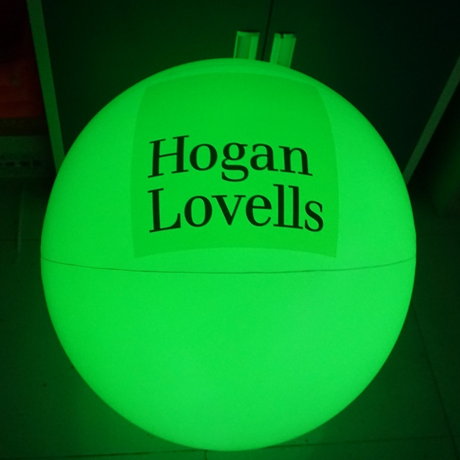 LED-Lighted-Beachballs.JPG