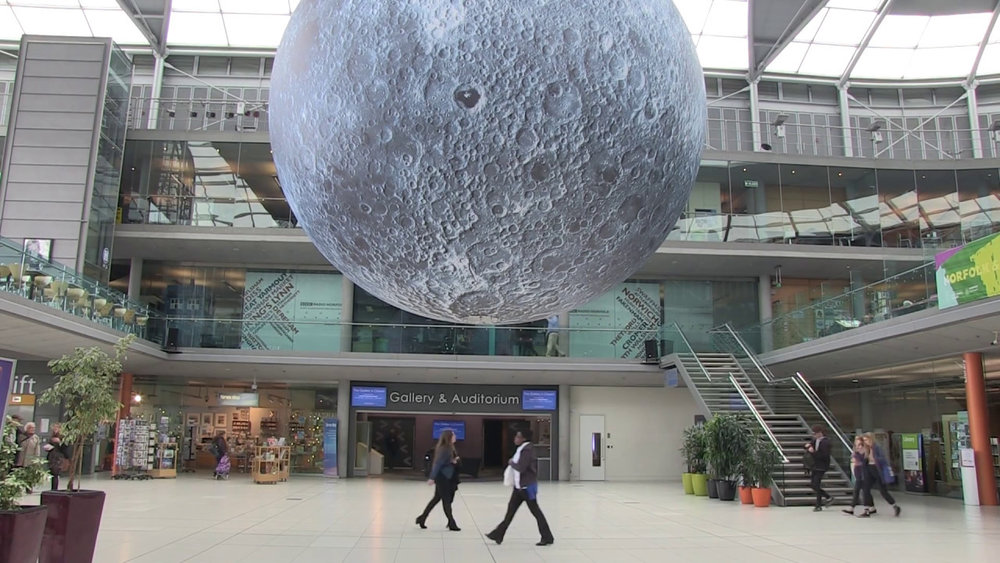 Inflatable-Giant-Moon.jpg