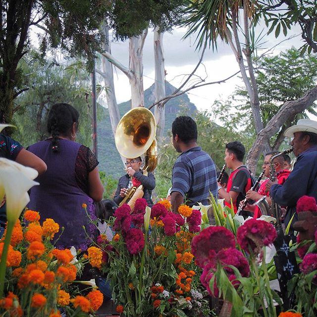 Nuestro Teotitlán. #diadelosmuertos #dayofthedead #teotitlandelvalle #zapotec #weavingoaxaca #oaxaca