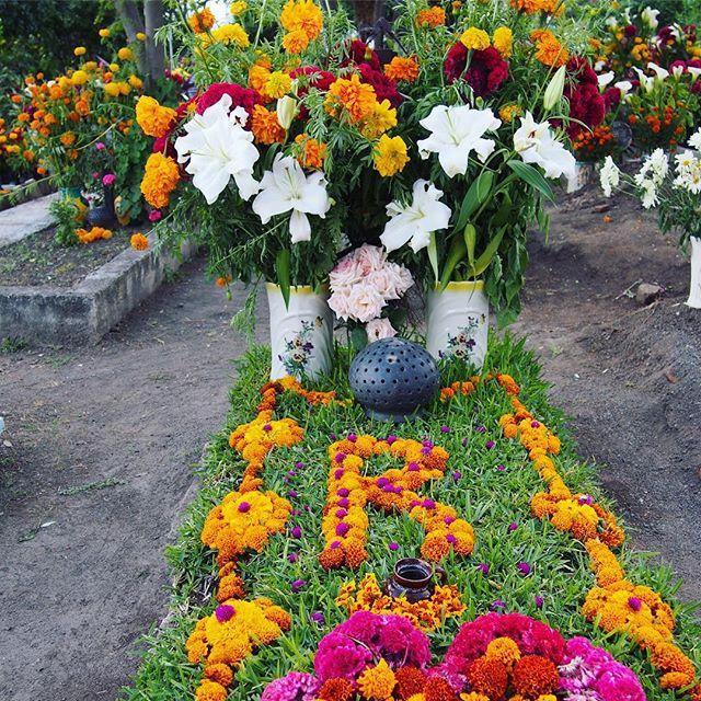 El Día de los Muertos, Teotitlán del Valle. #teotitlandelvalle #diadelosmuertos #dayofthedead