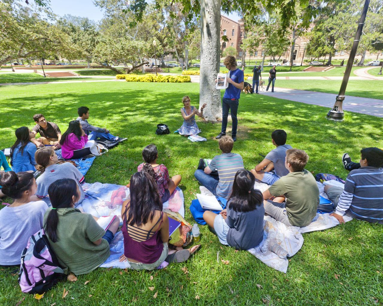 UCLA Department of Economics - Precollegiate Institute