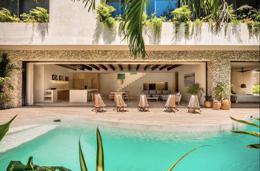 Poolhus - Om man skulle hyra med fler så finns denna villa för 6 personer, 6500/natt