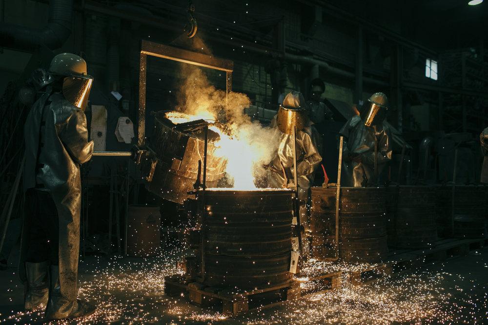 Stavanger Steel - Om bolaget: Stålgjuteri med marknadsledande kvalitetsprodukter i både gjuten och smidd form.Mitt uppdrag: Lifestyle bilder från gjuteriet som ska visa hantverket och människorna bakom. Bilderna ska användas på hemsida och i presentationer av bolaget internationellt.