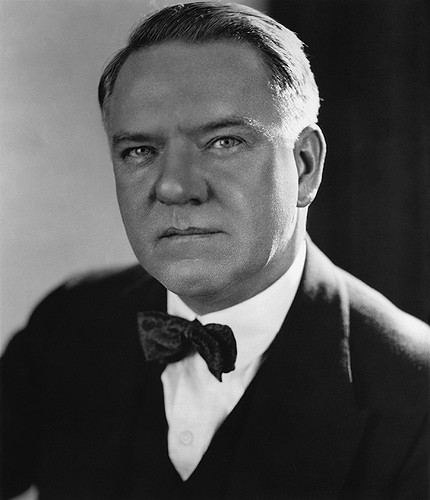 W. C. Fields  by  Insomnia Cured Here  is a Creative Commons image licensed under  CC BY-SA 2.0