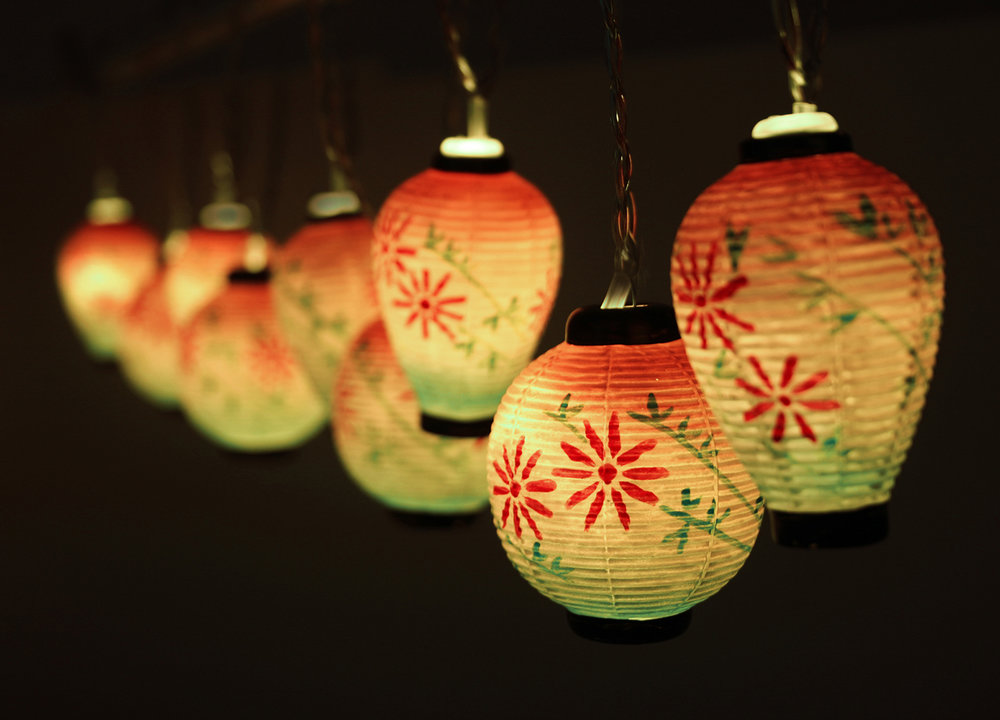 ceramic Japanese lantern lights