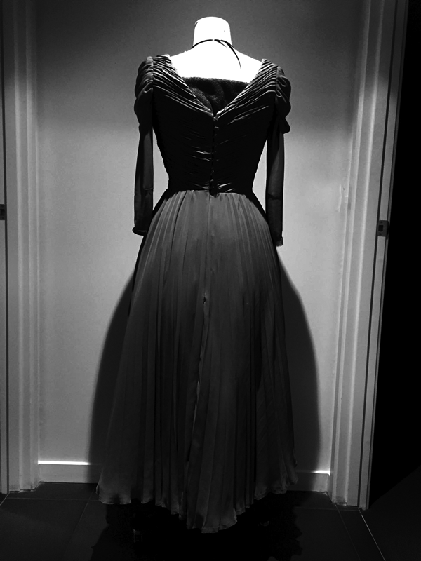maison-de-rossi-blog-from-a-dream-to-reality-dress-back.png