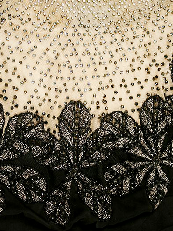 MAISONdeROSSI-be-inspired-blog-bouquets-of-pearls-and-thread-house-of-worth-couture-1911-embroidery.png
