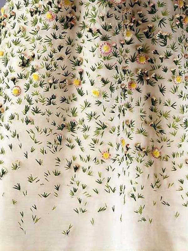 MAISONdeROSSI-be-inspired-blog-bouquets-of-pearls-and-thread-christian-dior-vilmorin-embroidery.png