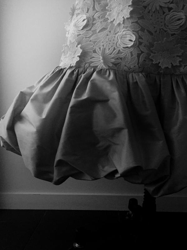 maisonderossi-vintage-bride-magazine-vintage-wedding-fair-sydney-2018-jardin-de-luxemberg-gown-hem-detail.png