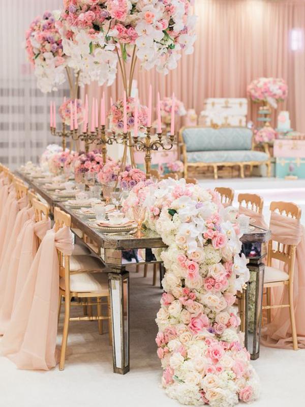 maison-de-rossi-blushing-bride-wedding-blog-formal-theme-garden-style-ceremony.png